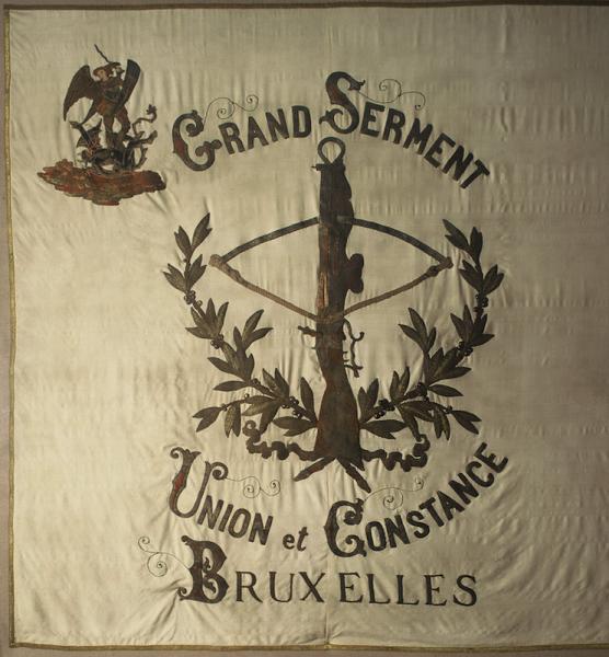 Drapeau offert en 1889 par le Président d'Honneur M. J-B. HAECK