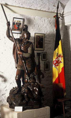 Statue de St-Georges en bois